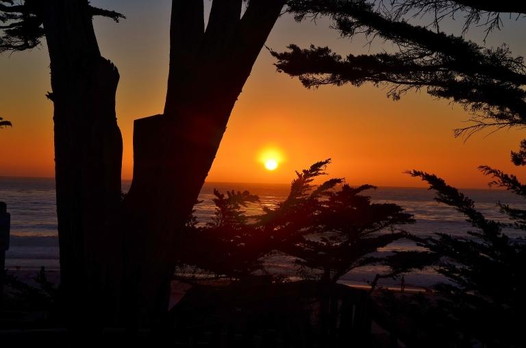 carmel sunset5.JPG